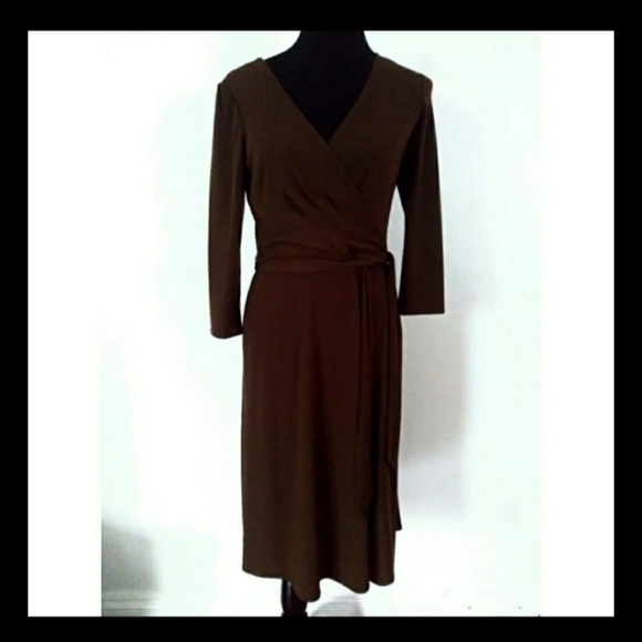 Liz Claiborne Dresses & Skirts - NWOT Liz Claiborne faux wrap midi dress